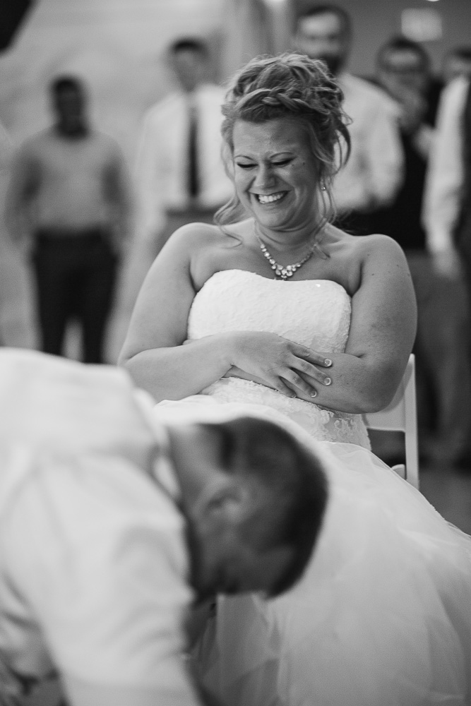 Bliss Plaza wedding photography garter toss