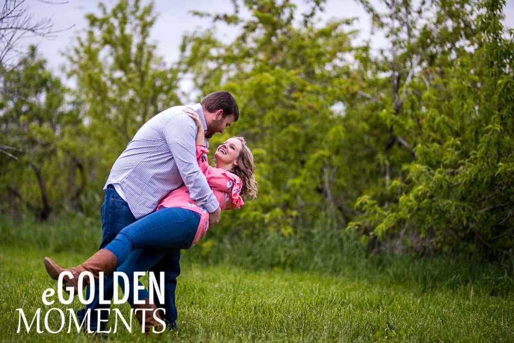 Platte City Missouri engagement session Alldredge Apple Orchard wedding couple pose