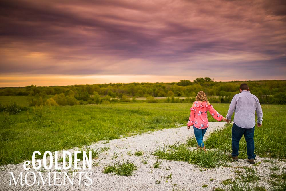 Platte City Missouri engagement session Alldredge Apple Orchard weddings couple pose