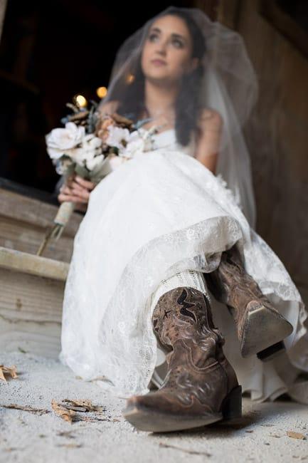 Pine Dell Horse Farm bridal portraits in the barn